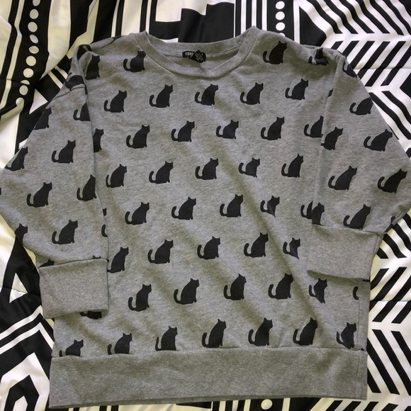 Forever 21 Sweaters - Forever 21 Gray and Black Cat Sweater